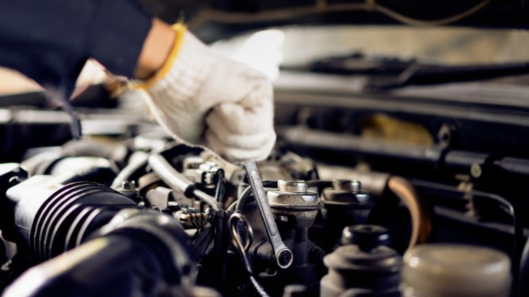 Top 5 Factors to Consider When Choosing Auto Repair Services